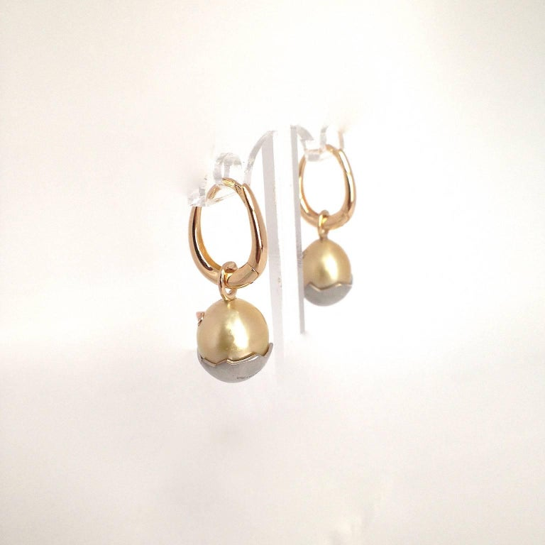 Chick White Diamond 18K Gold Pearl Drop Earrings In New Condition For Sale In Bussolengo, Verona