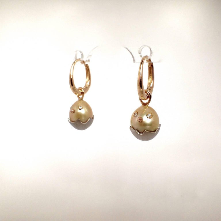 Women's Chick White Diamond 18K Gold Pearl Drop Earrings For Sale