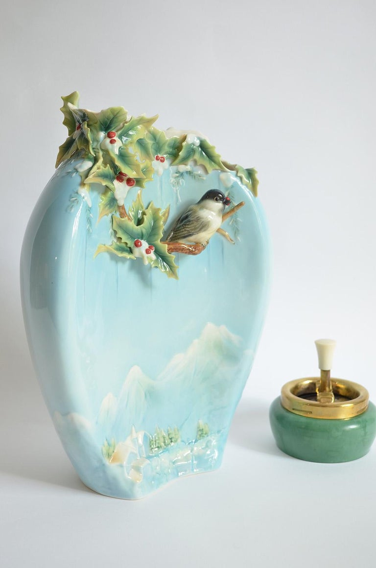 Chickadee Large Vase, Franz Collection Porcelain, Holiday Beginning 2007-2010 5