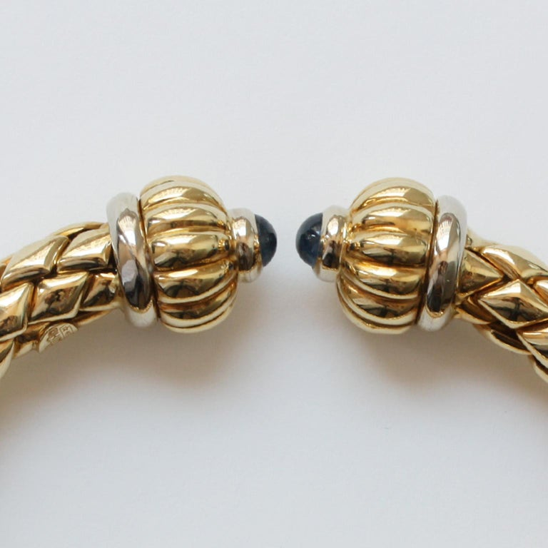 Chimento Bi-Color Gold and Sapphire Flexible Bangle In Excellent Condition For Sale In Amsterdam, NL