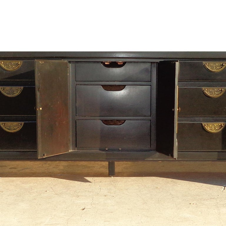 Chin Hua Dresser Credenza by Century Furniture In Good Condition For Sale In Pasadena, TX
