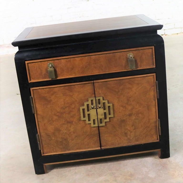 Hollywood Regency Chin Hua Nightstand End Table Cabinet by Raymond K Sobota for Century Furniture For Sale