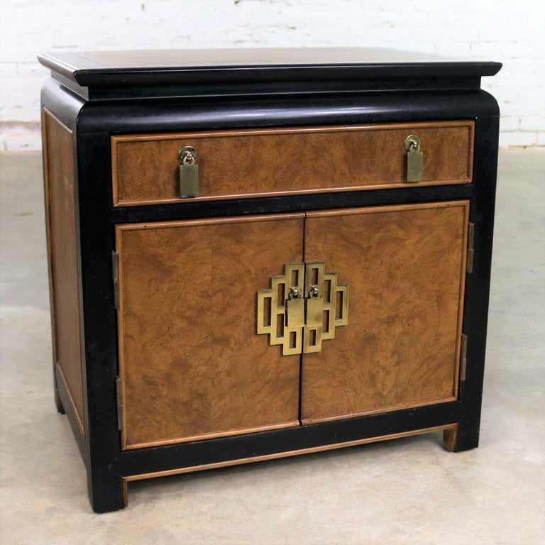 American Chin Hua Nightstand End Table Cabinet by Raymond K Sobota for Century Furniture For Sale