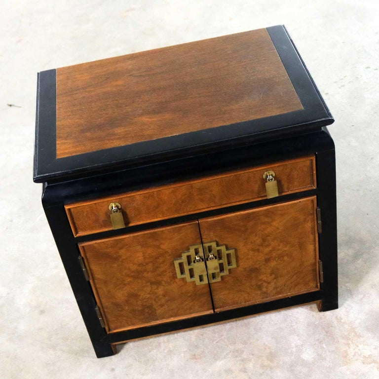 Ebonized Chin Hua Nightstand End Table Cabinet by Raymond K Sobota for Century Furniture For Sale