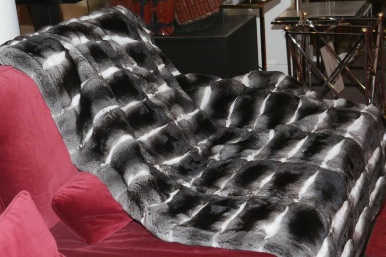 Chinchilla Blanket in Pure Chinchilla In New Condition For Sale In Paris, FR