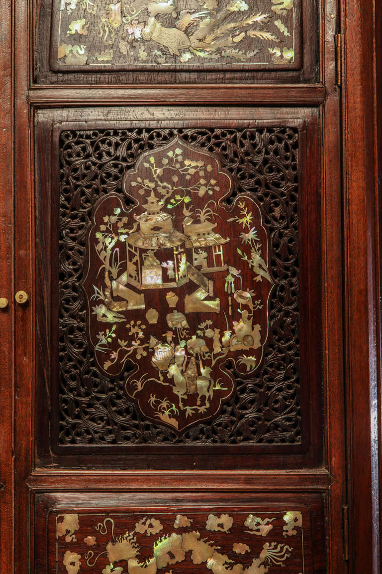 Chinese 19th Century Mother of Pearl Inlay Hardwood Carved Cabinet For Sale 2