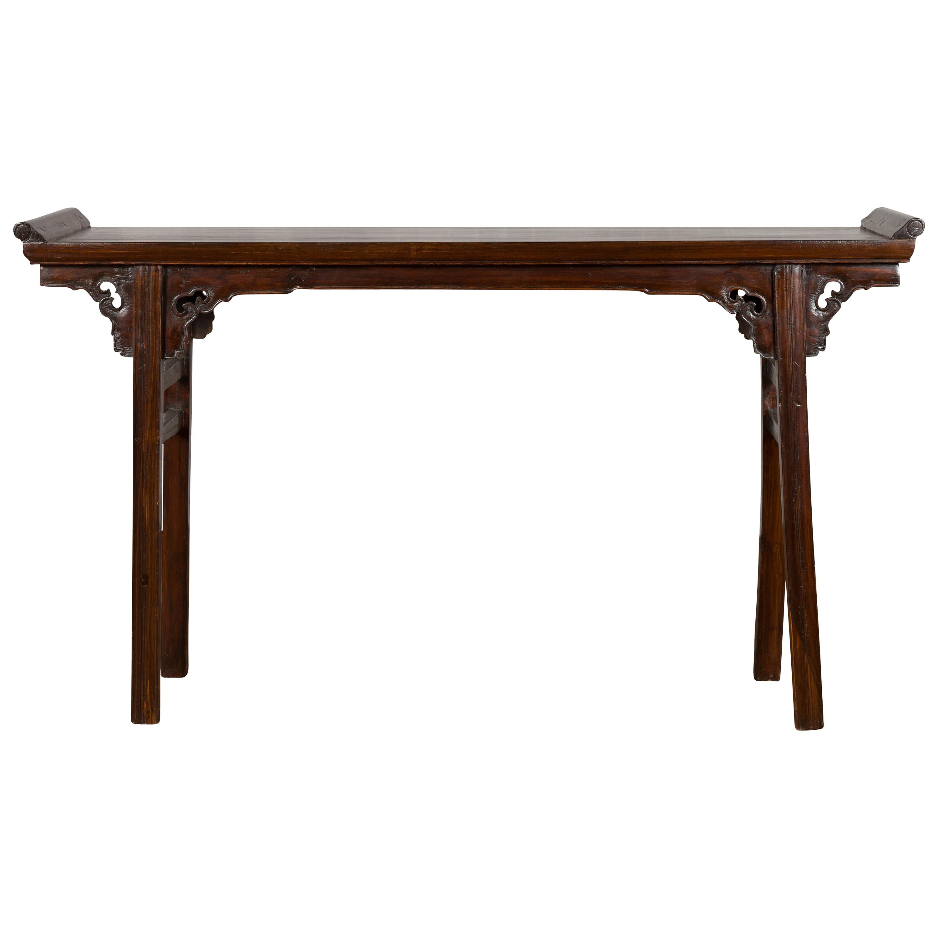 Chinese 19th Century Qing Dynasty Altar Console Table with Carved Spandrels