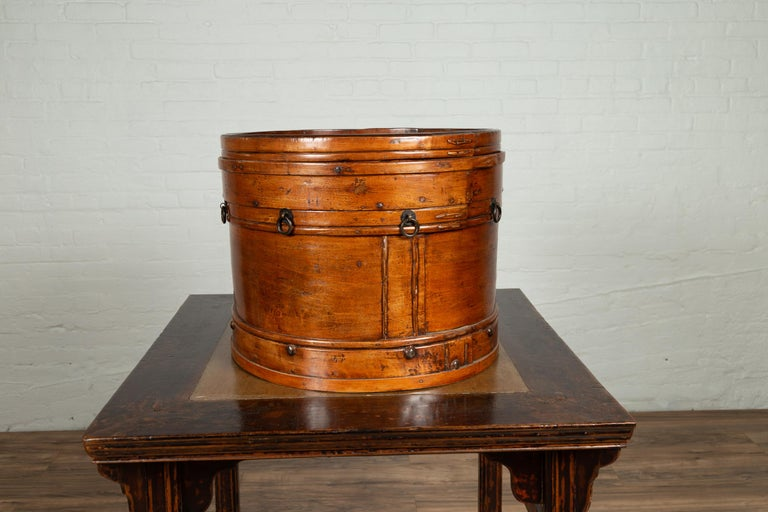 Chinese 19th Century Round Lidded Wooden Basket with Rattan Top and Warm Patina For Sale 7