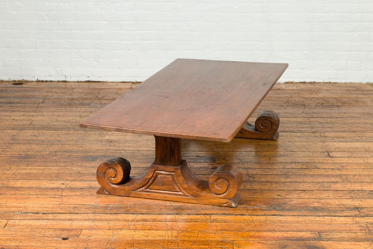 Chinese 19th Century Rustic Elmwood Coffee Table with Large Scrolling Feet For Sale 3