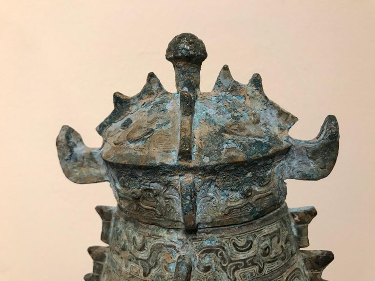 Chinese Achaistic Shang Dynasty Style Bronze Lidded Vessel In Good Condition For Sale In Stamford, CT