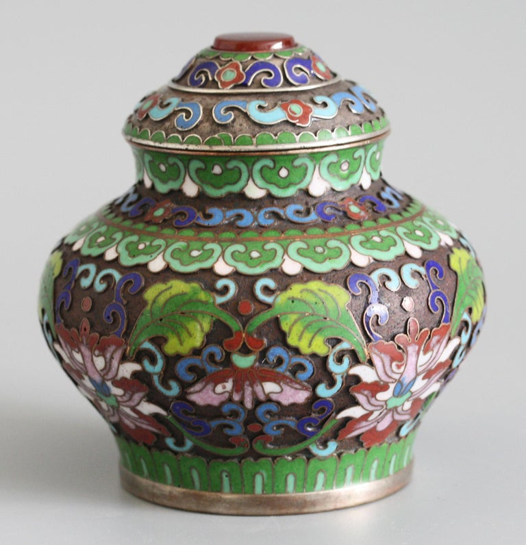 Chinese Cloisonne Silver Plated Lidded Cloisonne Pot In Good Condition For Sale In Bishop's Stortford, Hertfordshire