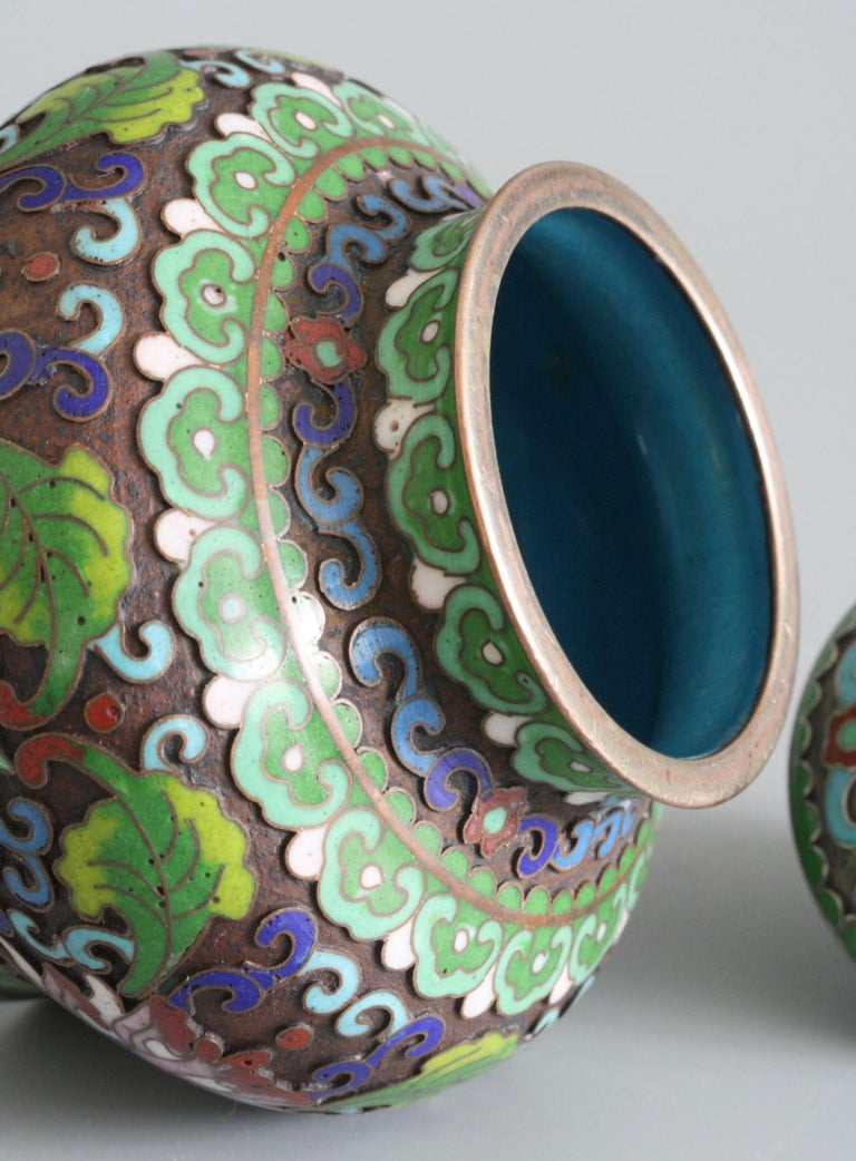 Early 20th Century Chinese Cloisonne Silver Plated Lidded Cloisonne Pot For Sale