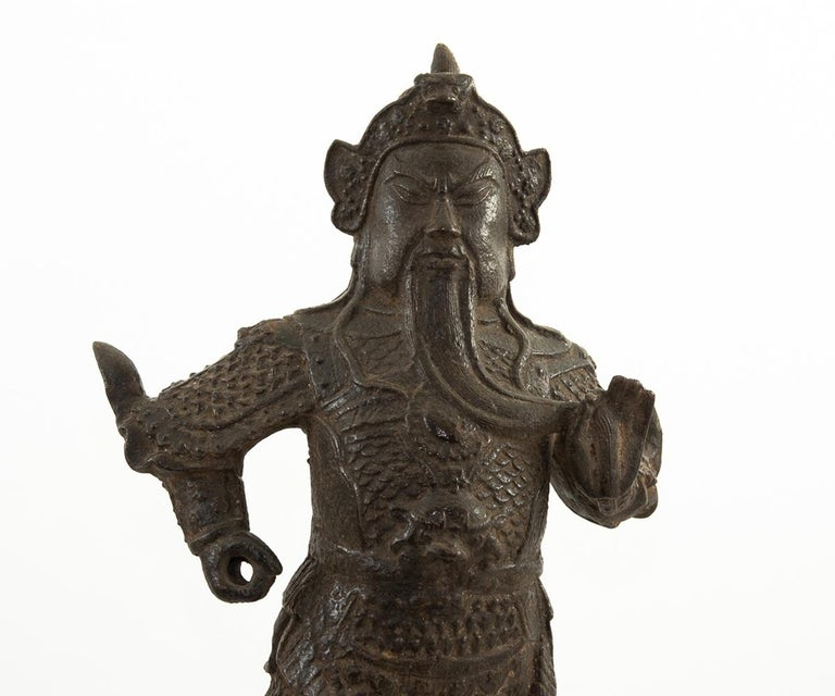 Chinese Antique Ming Dynasty Iron Figure of Guandi In Good Condition For Sale In Laguna Beach, CA