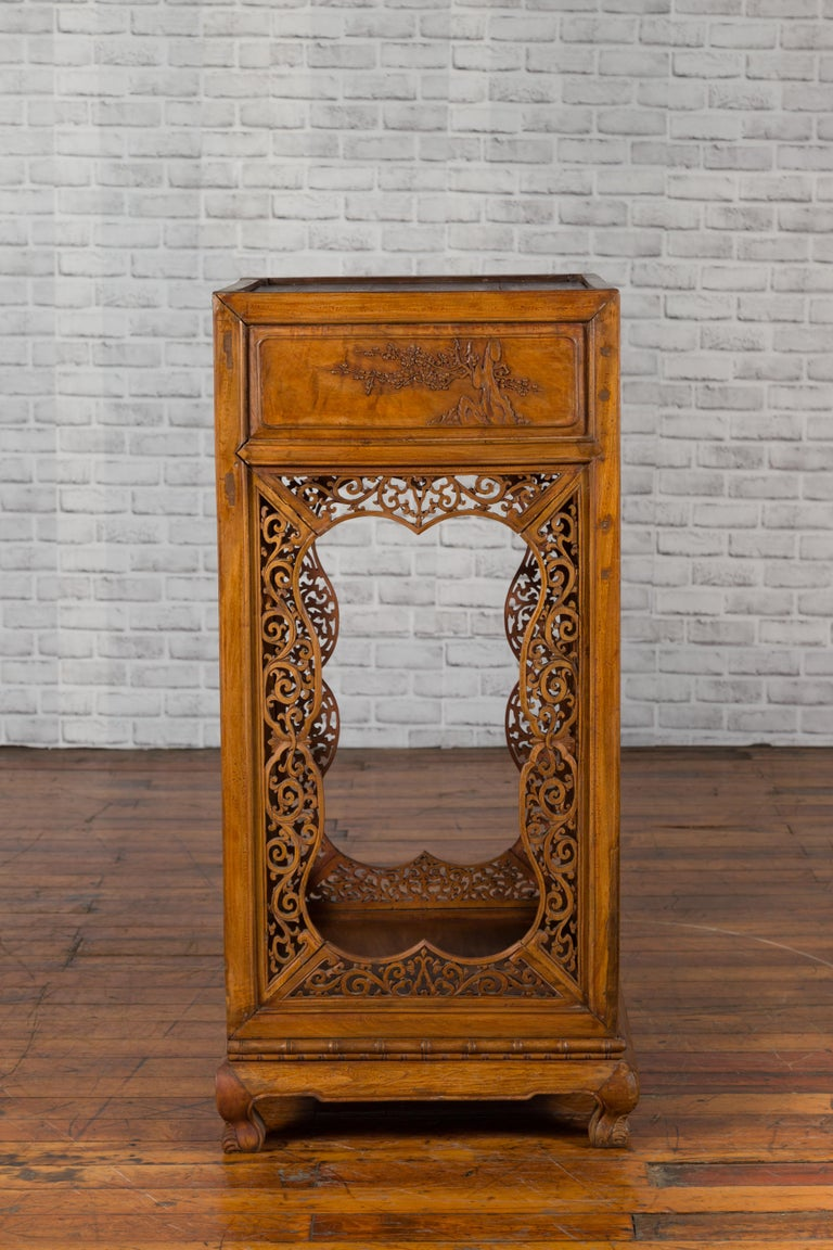 Chinese Antique Pedestal with Openwork Motifs and Hand Carved Court Scenes For Sale 5