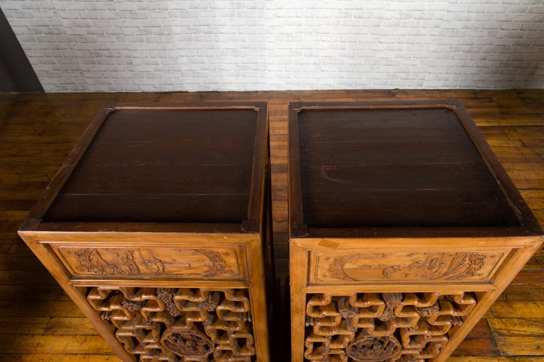 Chinese Antique Pedestal with Openwork Motifs and Hand Carved Court Scenes For Sale 12