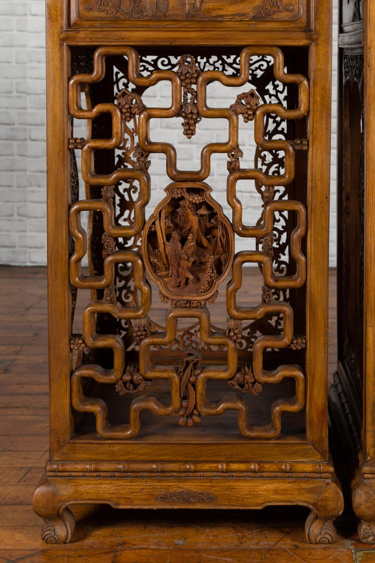 Wood Chinese Antique Pedestal with Openwork Motifs and Hand Carved Court Scenes For Sale