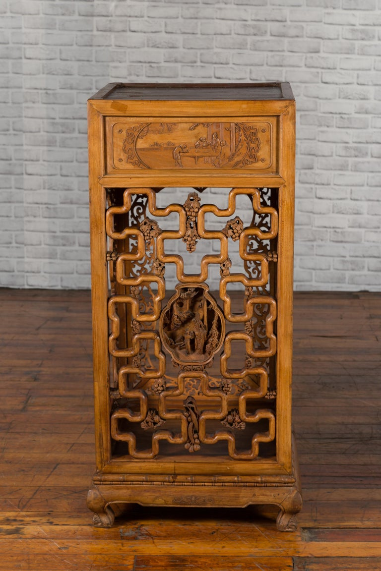 Chinese Antique Pedestal with Openwork Motifs and Hand Carved Court Scenes For Sale 4