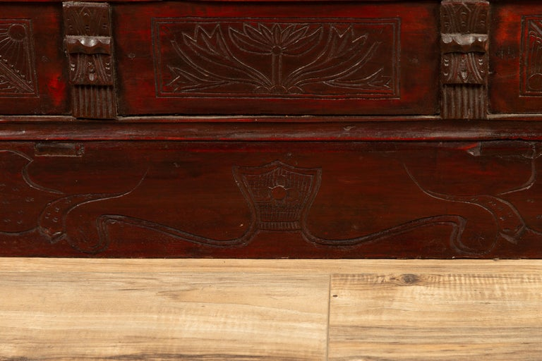 Chinese Antique Red Lacquered Trunk with Incised and Carved Motifs and Handles For Sale 5