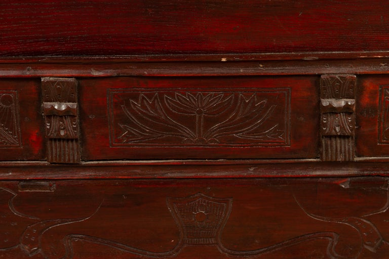 Chinese Antique Red Lacquered Trunk with Incised and Carved Motifs and Handles For Sale 2