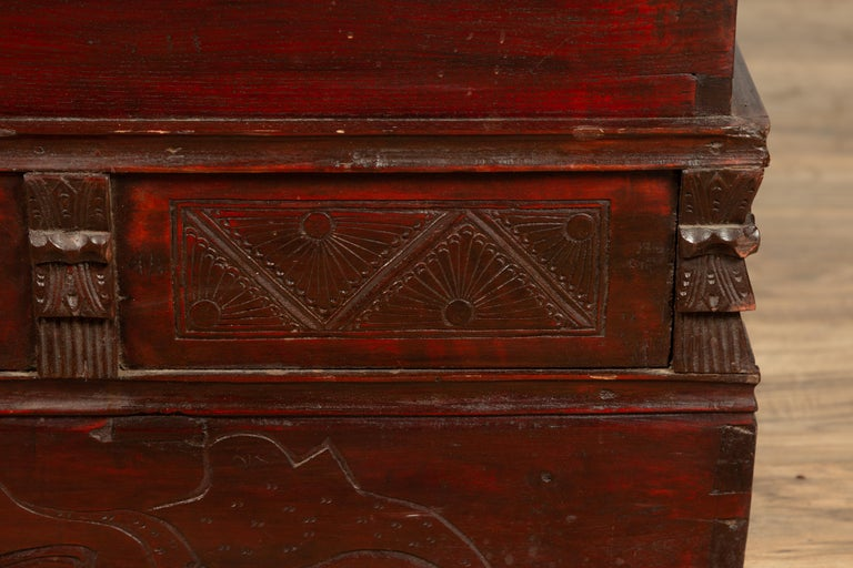 Chinese Antique Red Lacquered Trunk with Incised and Carved Motifs and Handles For Sale 3