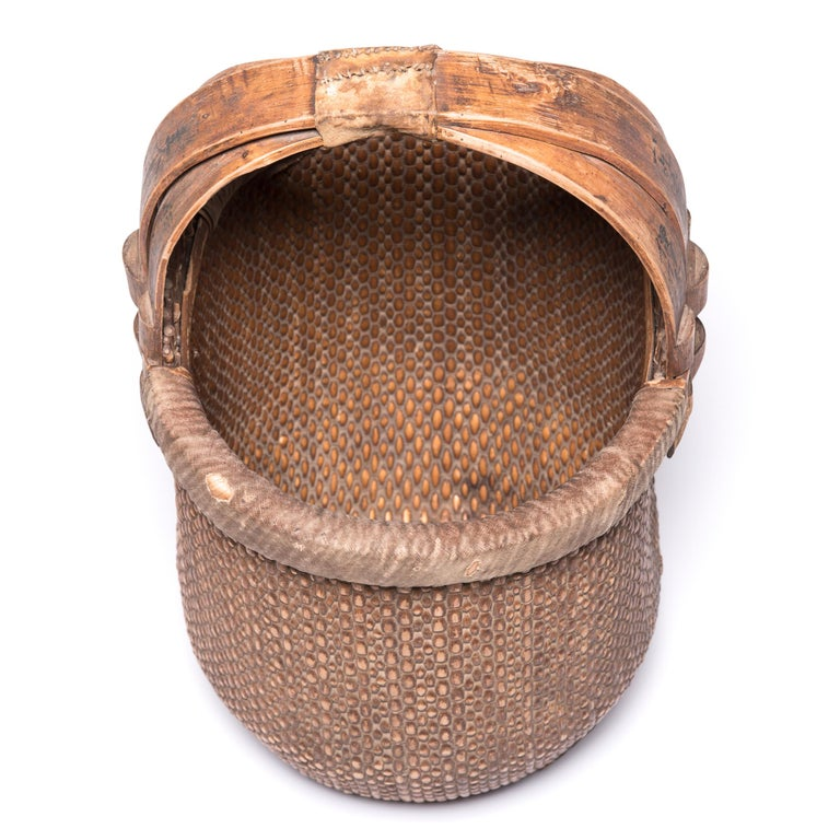 Chinese Bent Handle Basket, circa 1850 In Good Condition For Sale In Chicago, IL