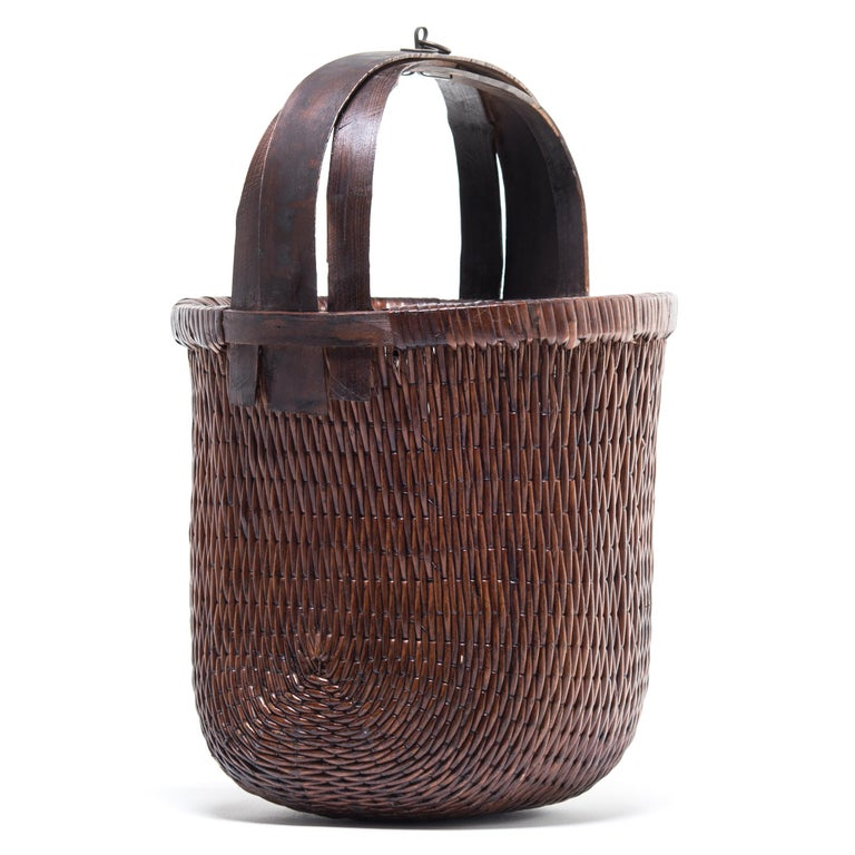 Organic Modern Chinese Bent Handle Willow Basket, circa 1900 For Sale