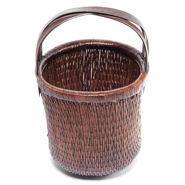 Chinese Bent Handle Willow Basket, circa 1900 In Good Condition For Sale In Chicago, IL