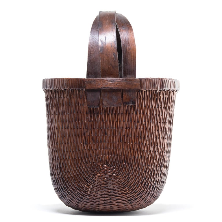 Hand-Woven Chinese Bent Handle Willow Basket For Sale