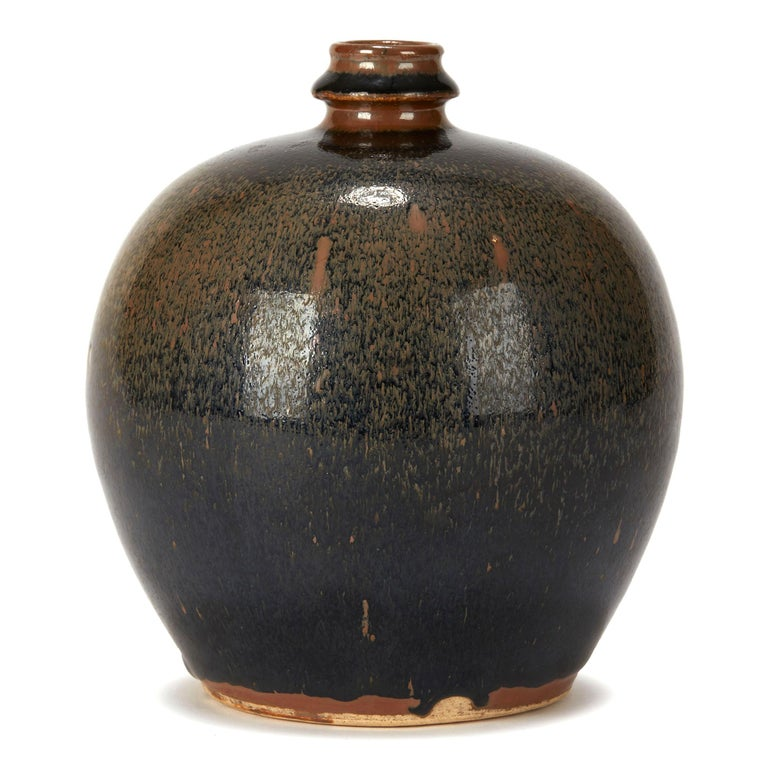 Chinese Black and Brown Haresfur Glazed Bulbous Pottery Vase, 20th Century In Excellent Condition For Sale In Bishop's Stortford, Hertfordshire