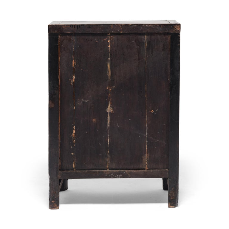 Chinese Black Lacquer Side Cabinet, c. 1850 In Good Condition For Sale In Chicago, IL