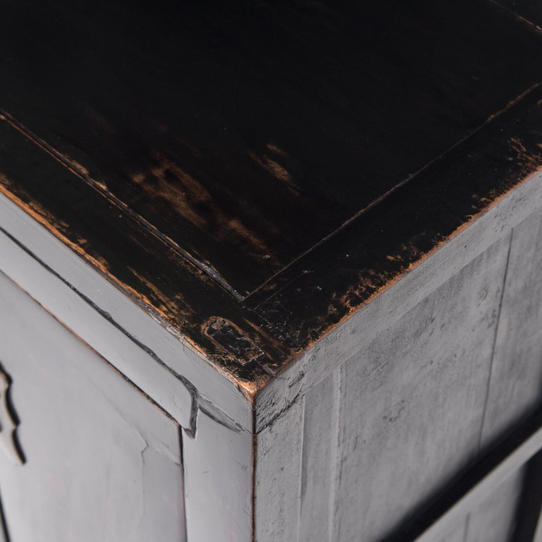 Chinese Black Lacquer Side Cabinet, c. 1850 For Sale 1