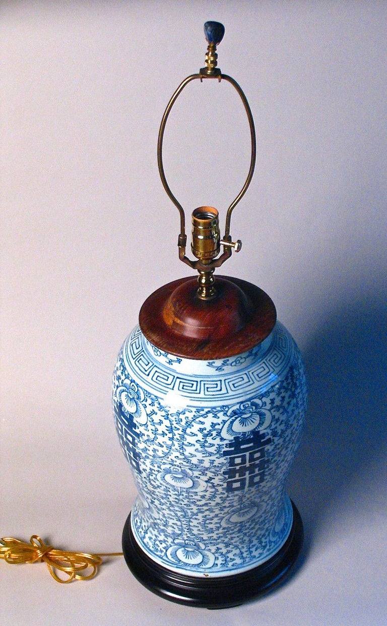 Glazed Chinese Blue and White Baluster Vase Table Lamp For Sale