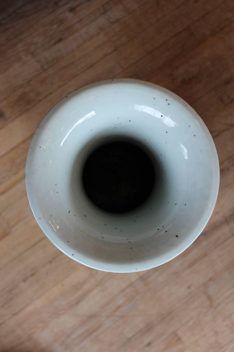 Chinese Blue and White Ceramic Vase For Sale 2