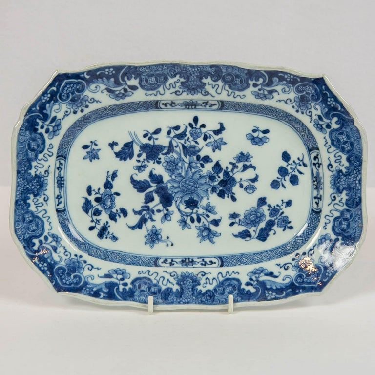 Qing Chinese Blue and White Small Platter Made, circa 1770 For Sale