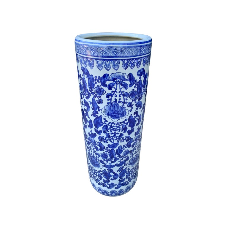 Chinoiserie Chinese Blue and White Vase or Umbrella Stand For Sale