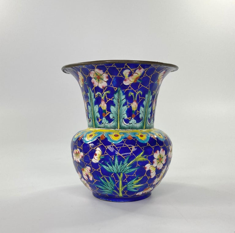 Chinese Canton Enamel Zhadou, circa 1795, Qianlong Period In Good Condition For Sale In Gargrave, North Yorkshire