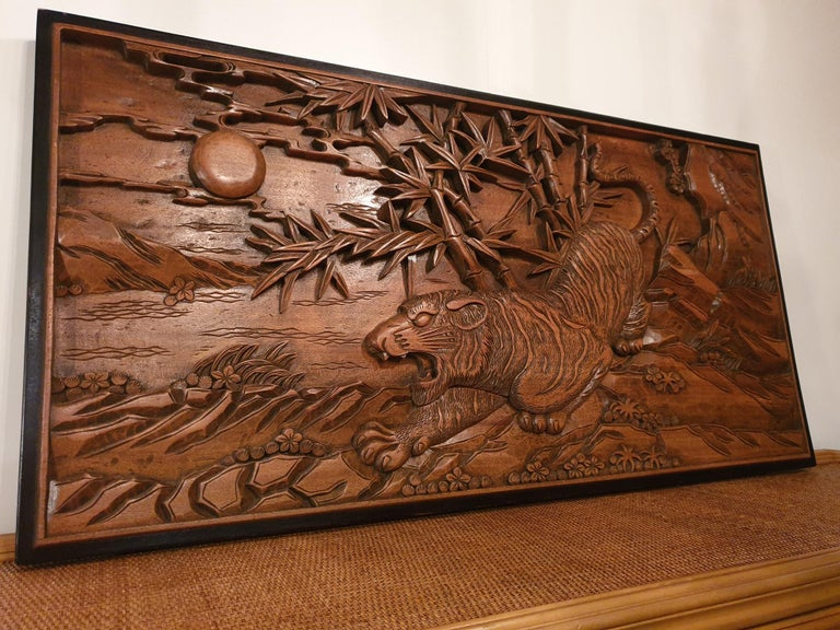 Chinese Carved Wood Wall Art from a Hunting Tiger For Sale 7