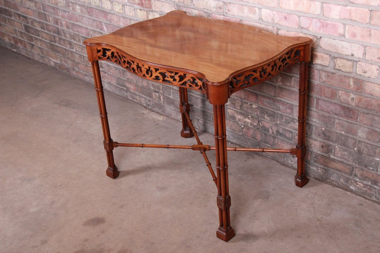 Chinese Chippendale Carved Mahogany Faux Bamboo Tea Table by Beacon Hill In Good Condition For Sale In South Bend, IN