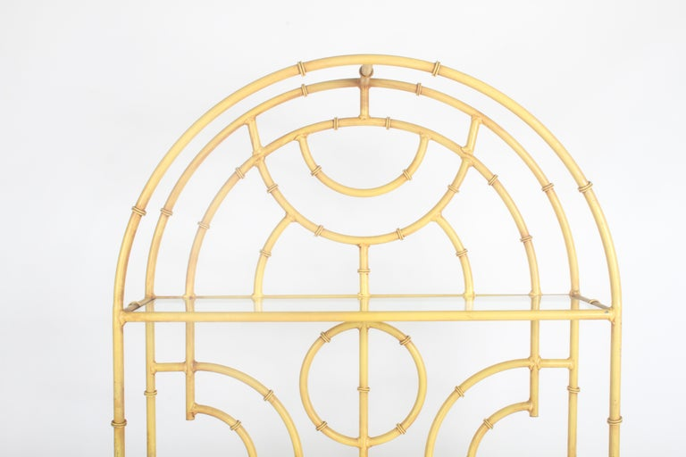 Hollywood Regency Chinese Chippendale Faux Bamboo Étagère For Sale