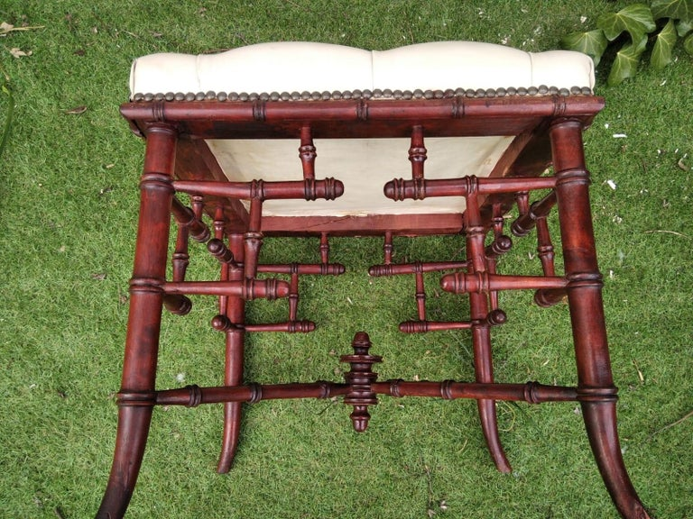 English Chinese Chippendale Faux Bamboo Stool Whit Capitone For Sale