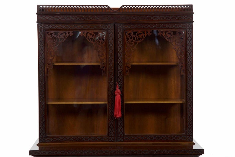English Chinese Chippendale Style Mahogany Antique Curio Cabinet by James  Lamb For Sale - Chinese Chippendale Style Mahogany Antique Curio Cabinet By James