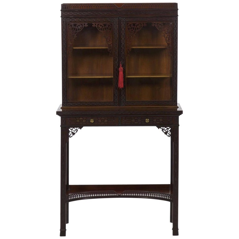 Chinese Chippendale Style Mahogany Antique Curio Cabinet by James Lamb For  Sale - Chinese Chippendale Style Mahogany Antique Curio Cabinet By James