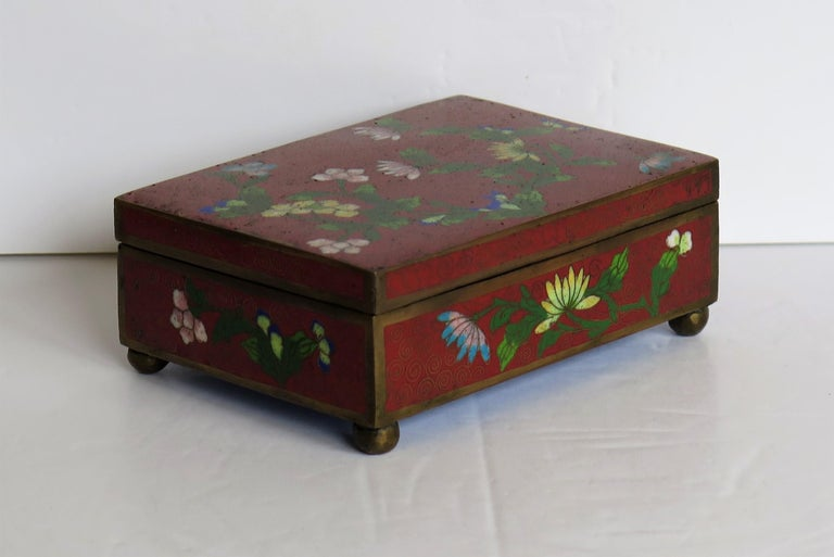 Chinese Cloisonné Box on Bun Feet with Hinged Lid, Late Qing Dynasty, circa 1900 For Sale 4