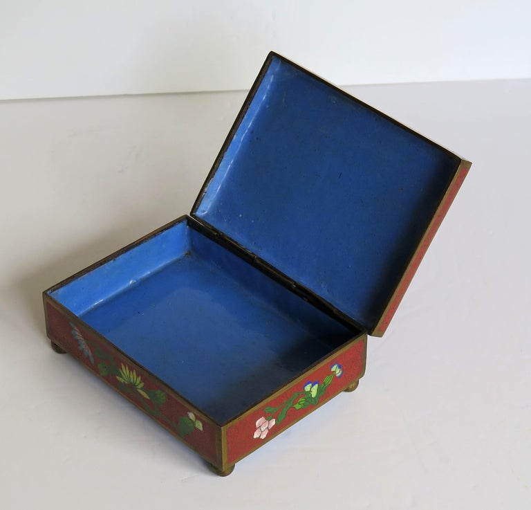 Chinese Cloisonné Box on Bun Feet with Hinged Lid, Late Qing Dynasty, circa 1900 For Sale 7