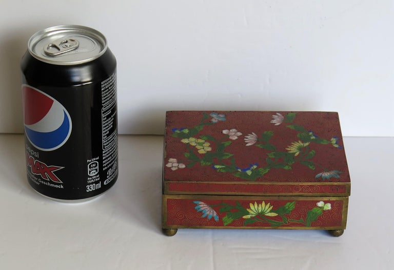 Chinese Cloisonné Box on Bun Feet with Hinged Lid, Late Qing Dynasty, circa 1900 For Sale 10