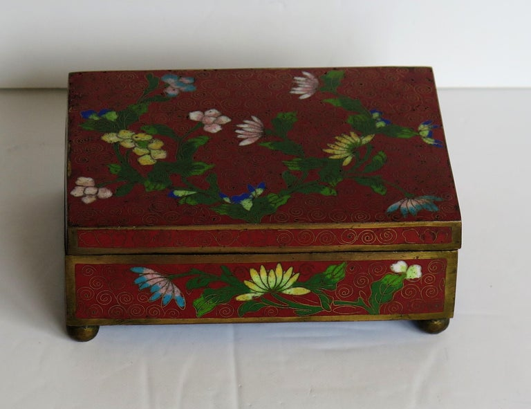 Cloissoné Chinese Cloisonné Box on Bun Feet with Hinged Lid, Late Qing Dynasty, circa 1900 For Sale