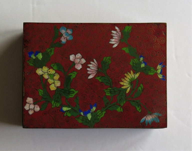 20th Century Chinese Cloisonné Box on Bun Feet with Hinged Lid, Late Qing Dynasty, circa 1900 For Sale