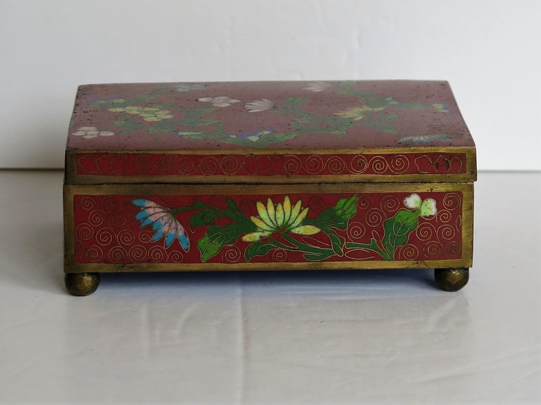 Ceramic Chinese Cloisonné Box on Bun Feet with Hinged Lid, Late Qing Dynasty, circa 1900 For Sale
