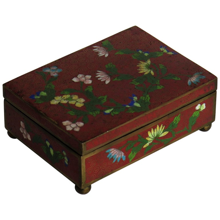 Chinese Cloisonné Box on Bun Feet with Hinged Lid, Late Qing Dynasty, circa 1900 For Sale