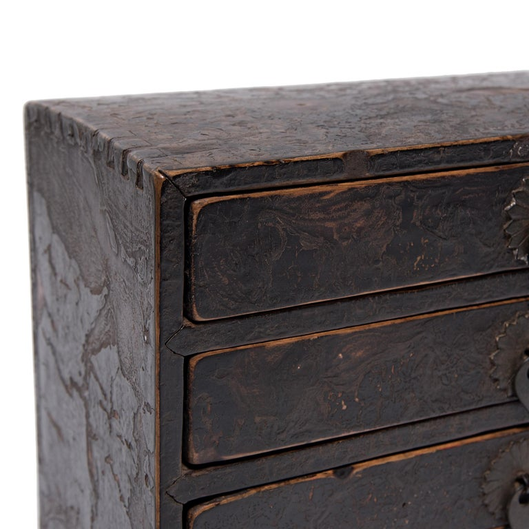 Chinese Crackled Lacquer Autumn Altar Box, circa 1850 For Sale 2